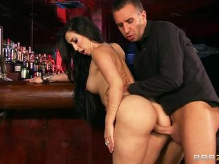 Bar cazzo con grande breasted valerie kay