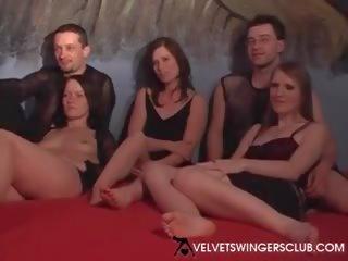 Velvet swingers klubs eiropieši members satikt augšup orgija ir par