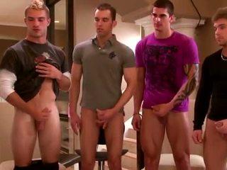 Sexy grupo amateurs masturbándose