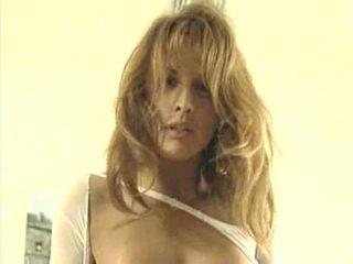 Passionate Leena La Bianca in Pussyman 6