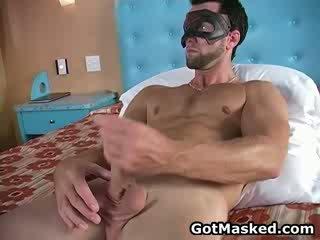 Hunky gėjus dude stripping ir masturbacija 11 iki gotmasked