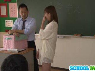 Japonesa jovem grávida moe tsukina