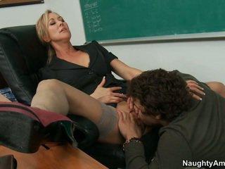 Của tôi giáo viên takes đầy đủ lợi ích