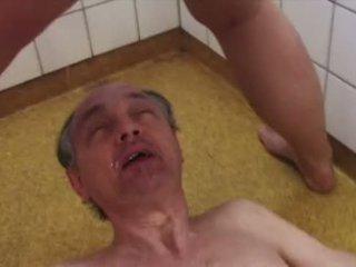 kinky, urinēt, xxx