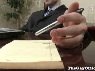 Homo kantoor studs neuken in de boord kamer