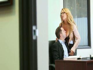 Perfeita escritório coitus com bela secretária