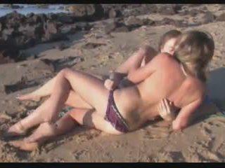 lesbietes, pludmale, ārā