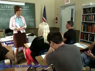 Kink: heet leraar dreams over gangbang