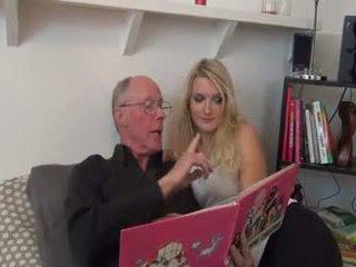 Vroče blondinke zajebal s old man