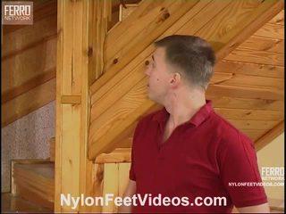 Clothilda 과 peter 험악한 스타킹 피트 비디오