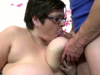 Μεγάλος ώριμος/η μαμά πιπιλίζουν και γαμώ νέος τυχερός αγόρι: ελεύθερα πορνό 4c