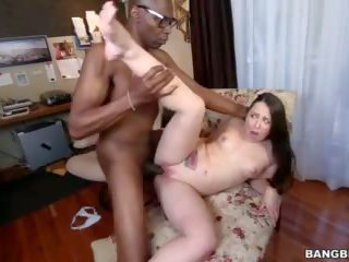 Monster cock makes that white girl pussy pop