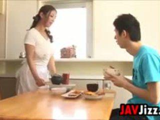 Kemény japán fasz tréfa -ban a konyha