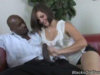 Bobbi starr does אנאלי עם a שחור