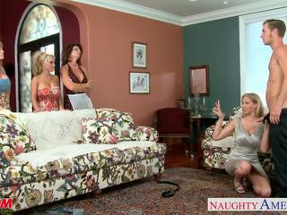 Anneler darla crane, deauxma, holly halston ve julia ann shari
