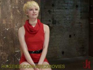 Captive blondīne gets pārmācītas