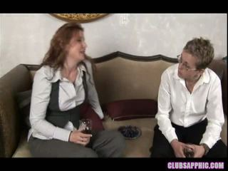 Nica noelle invites alex mackay več za a nekaj drinks