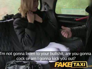 Faketaxi húngara rubia does asiento trasero anal