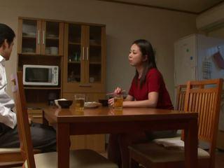 țâțe, japonez, adolescență