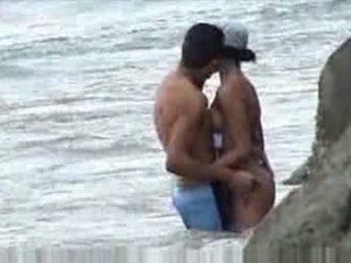 Qirje në plazh baecause mendim nobody was në kërkim të video