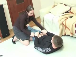 Jeune étalon getting enticed en hardcore pounding ma vilain milf