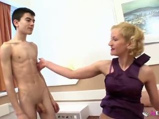 young, threesome, mom