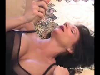 Deauxma seksi masturbation