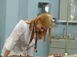 Brandi belle heiß doktor lecken die.