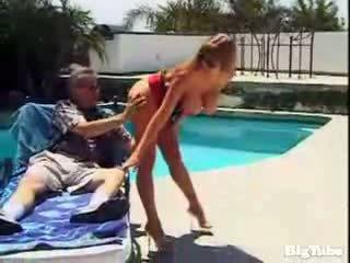 Darla crane titty fucks and sucks sik outdoors