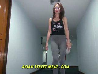 Buggered filipina yukarı onu rectum