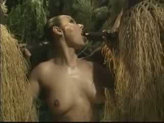 非洲人 brutally 性交 美国人 女人 在 丛林 视频