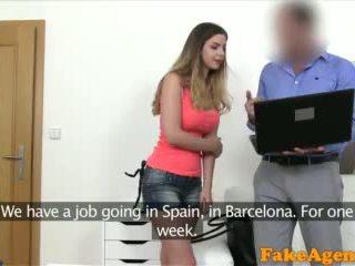 Fakeagent британски мадама с голям цици прецака от нов euro agent видео
