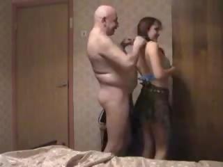Alt und jung: mugt old & young porno video d4