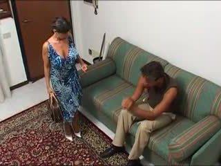 Une maman demonter par oğul mec et oğul fils