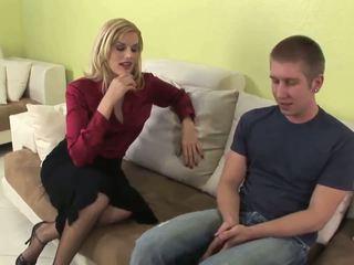Seductive blonde MILF gives fantastic ...