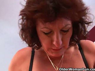 可以 我 附帶 上 您的 臉 奶奶?