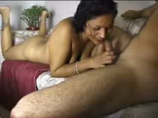 Intialainen amatööri gal cocksucking shaft