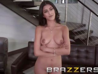 Brazzers - Sophia Leone Pays Her Rent in Ass