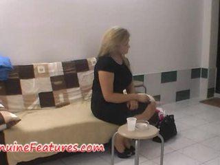 Užkulisiai malonumas su čekiškas apkūnu blondinė