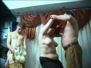 Rus partener schimbate petrecere