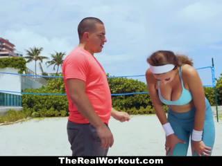 Therealworkout - krūtainas skaistule fucked līdz trainer