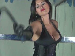 Kalinda whipping amusement voor een sadistic prinses