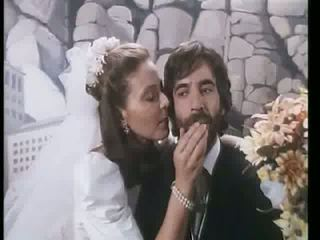 Ornella Muti - El Amante Bilingue Video