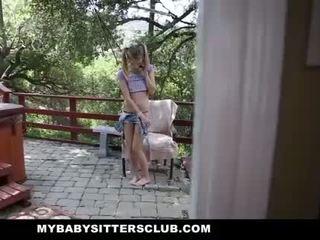 Mybabysittersclub - tenger baby sitter betrapt masturberen