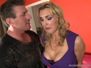 Seksowne brytyjskie blond knockout tanya tate pleads the brud