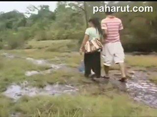 Mainit thai pagtatalik sa publiko