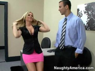 Blondine hotties getting geneukt van achter video-