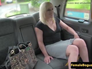 offentlig nakenhet, female fake taxi