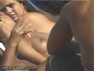 Voyeur naakt strand