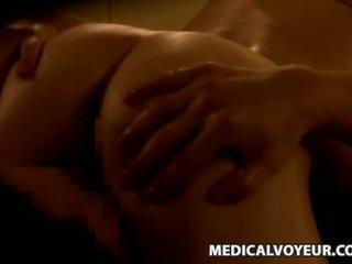 Mosaic: spycam reluctant jong vrouw molestd door masseur